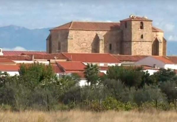 Saucedilla pueblo de Monfrague