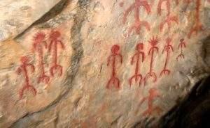 Pinturas de la edad de bronce pintadas en la cueva de Monfragüe