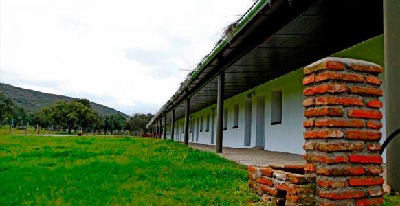 Hotel-Rural-Puerta-de-Monfrague-01