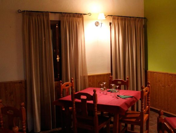 Hotel-Rural-Puerta-de-Monfrague-02