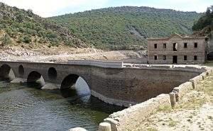 Foto del Puente del Cardenal en el Parque Nacional de Monfragüe